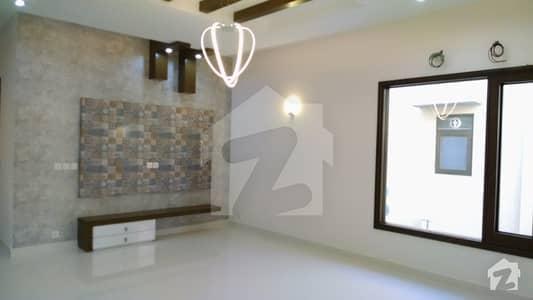 ڈی ایچ اے فیز 7 ایکسٹینشن ڈی ایچ اے ڈیفینس کراچی میں 4 کمروں کا 4 مرلہ مکان 90 ہزار میں کرایہ پر دستیاب ہے۔