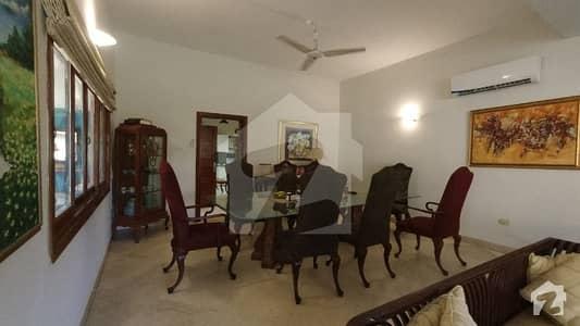 ڈی ایچ اے فیز 1 ڈی ایچ اے کراچی میں 7 کمروں کا 4.4 کنال مکان 37 کروڑ میں برائے فروخت۔