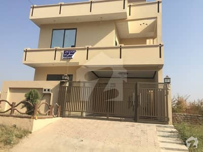 3200  Square Feet House In Jinnah Gardens Phase 1 For Rent At Good Location