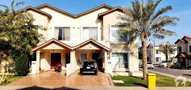 152 Square Yards Villa For Sale With 3 Bed Room
