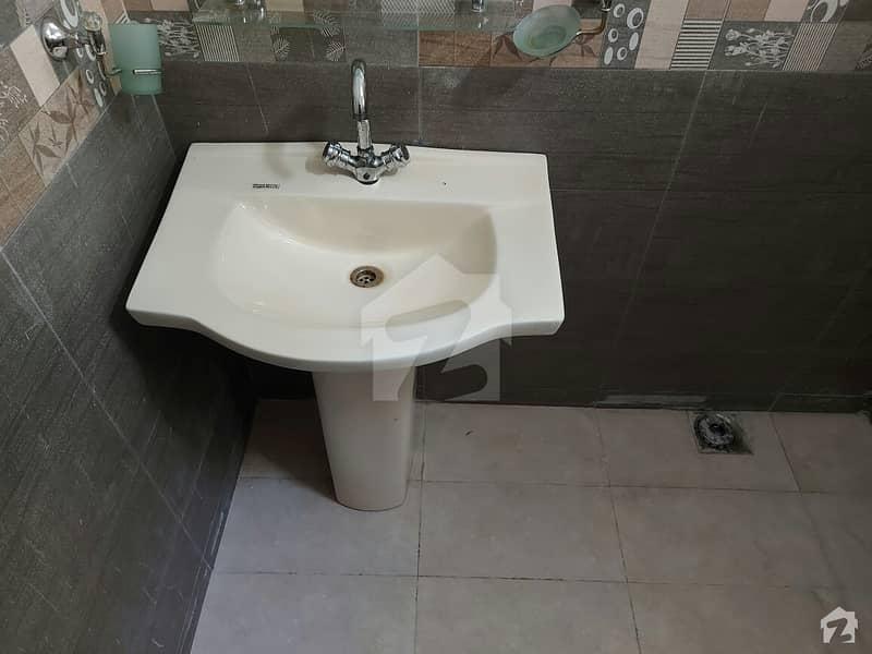 لالہ زار گارڈن لاہور میں 4 کمروں کا 5 مرلہ مکان 1 کروڑ میں برائے فروخت۔