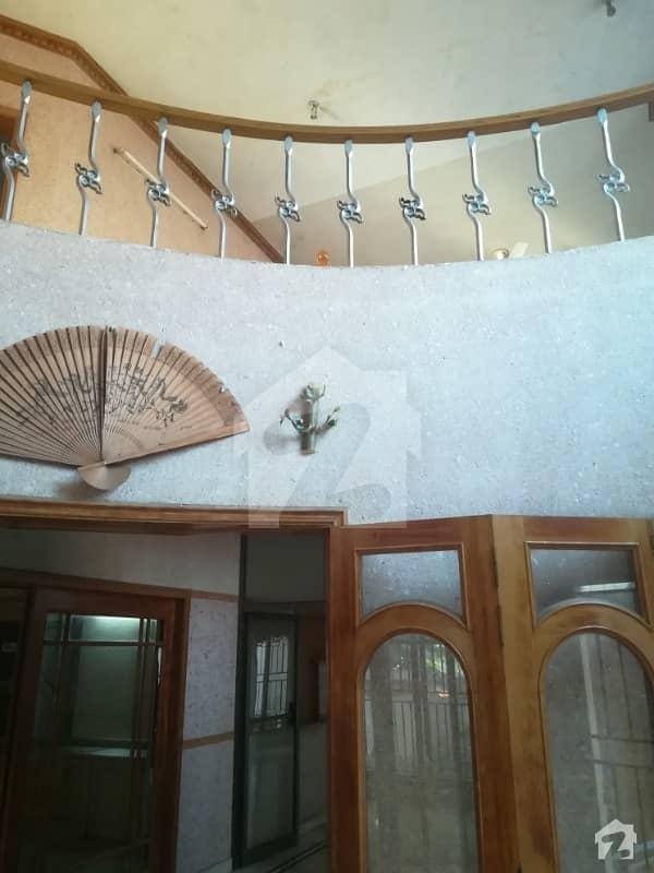 ایف ۔ 10/3 ایف ۔ 10 اسلام آباد میں 8 کمروں کا 1.47 کنال مکان 10.5 کروڑ میں برائے فروخت۔