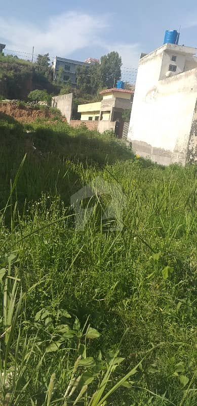 آغوش اسلام آباد میں 1 کنال رہائشی پلاٹ 1.02 کروڑ میں برائے فروخت۔
