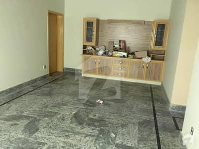 گنج شکر کالونی ساہیوال میں 2 کمروں کا 8 مرلہ مکان 22 ہزار میں کرایہ پر دستیاب ہے۔