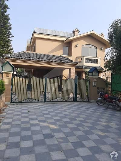 Beautiful Double Unit House For Sale In F-11 Islamabad