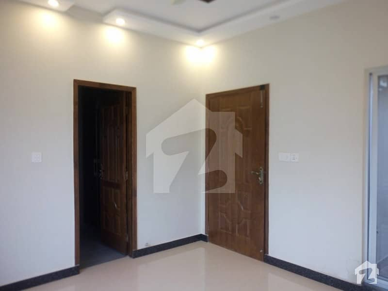 In Paragon City Upper Portion For Rent Sized 5 Marla