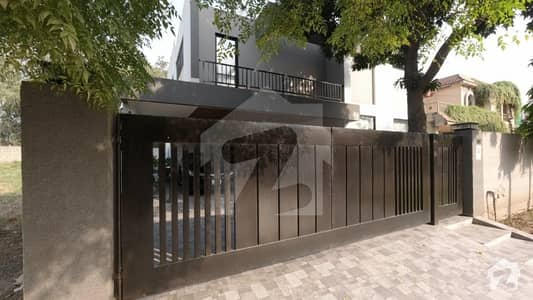 1 Kanal House For Sale In Phase 4 Dha With Swimming Pool