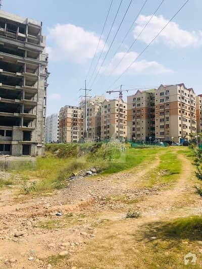 ایل سیلو جی ٹی روڈ اسلام آباد میں 2 کمروں کا 4 مرلہ فلیٹ 59 لاکھ میں برائے فروخت۔