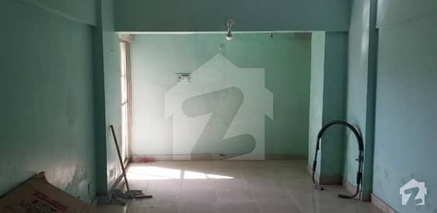 کلفٹن ۔ بلاک 5 کلفٹن کراچی میں 2 کمروں کا 5 مرلہ فلیٹ 1.35 کروڑ میں برائے فروخت۔