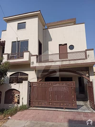 7 Marla Used House Is Available For Sale