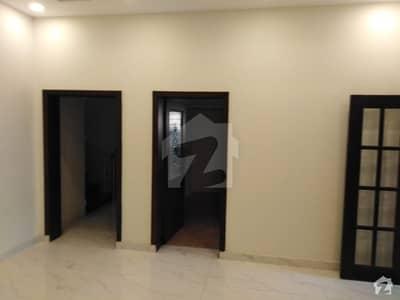 بحریہ ٹاؤن جاسمین بلاک بحریہ ٹاؤن سیکٹر سی بحریہ ٹاؤن لاہور میں 2 کمروں کا 10 مرلہ زیریں پورشن 45 ہزار میں کرایہ پر دستیاب ہے۔