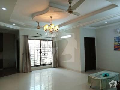 ڈی ایچ اے فیز 8 سابقہ پارک ویو ڈی ایچ اے فیز 8 ڈی ایچ اے ڈیفینس لاہور میں 2 کمروں کا 10 مرلہ زیریں پورشن 32 ہزار میں کرایہ پر دستیاب ہے۔