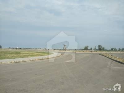 ڈی ایچ اے فیز 8 - بلاک ٹی فیز 8 ڈیفنس (ڈی ایچ اے) لاہور میں 1 کنال رہائشی پلاٹ 2.5 کروڑ میں برائے فروخت۔