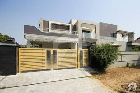 1 Kanal Double Unit 6 Beds House Is Available For Rent In Phase 1