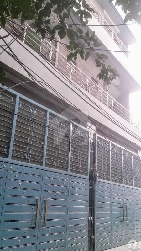 گلبرگ 2 گلبرگ لاہور میں 8 کمروں کا 7 مرلہ مکان 4.5 کروڑ میں برائے فروخت۔