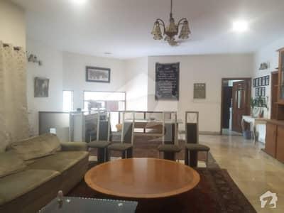 ڈی ایچ اے فیز 2 ڈیفنس (ڈی ایچ اے) لاہور میں 1 کمرے کا 1 کنال کمرہ 25 ہزار میں کرایہ پر دستیاب ہے۔