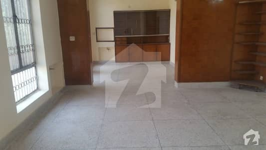 Kanal Lower Portion House Prime Location At DHA Phase2 Near Main Road