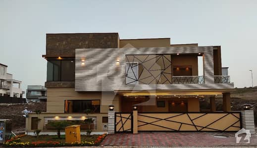 Architectural Designer 16 Marla 50x70 House For Sale