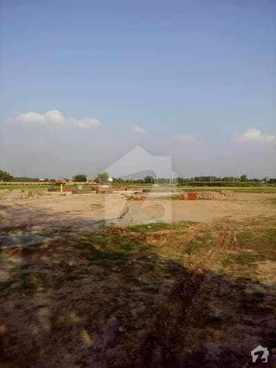 I153 25x50 St 5 Plot Available For Sale