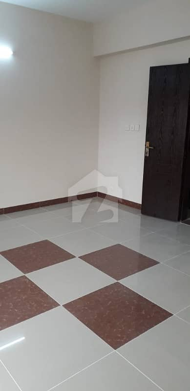 3 Bed West Open Prime Location Apartment For Rent