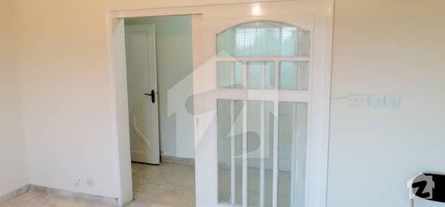 ہل پارک کراچی میں 3 کمروں کا 7 مرلہ فلیٹ 60 ہزار میں کرایہ پر دستیاب ہے۔