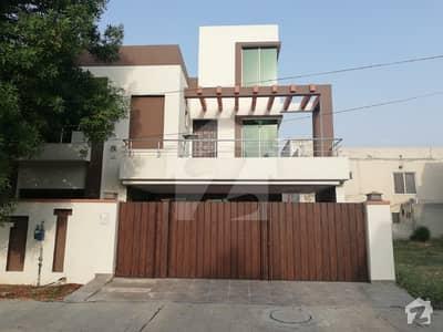 بحریہ ٹاؤن گلبہار بلاک بحریہ ٹاؤن سیکٹر سی بحریہ ٹاؤن لاہور میں 5 کمروں کا 10 مرلہ مکان 70 ہزار میں کرایہ پر دستیاب ہے۔