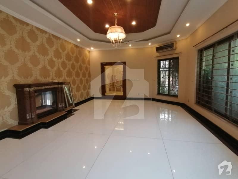 ڈی ایچ اے فیز 5 ڈیفنس (ڈی ایچ اے) لاہور میں 9 کمروں کا 2 کنال مکان 5 لاکھ میں کرایہ پر دستیاب ہے۔