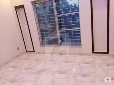 بحریہ ٹاؤن ۔ بلاک بی بی بحریہ ٹاؤن سیکٹرڈی بحریہ ٹاؤن لاہور میں 3 کمروں کا 5 مرلہ مکان 45 ہزار میں کرایہ پر دستیاب ہے۔