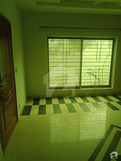 بحریہ ٹاؤن ۔ بلاک بی بی بحریہ ٹاؤن سیکٹرڈی بحریہ ٹاؤن لاہور میں 2 کمروں کا 5 مرلہ بالائی پورشن 24 ہزار میں کرایہ پر دستیاب ہے۔