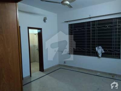 پی آئی اے ہاؤسنگ سکیم لاہور میں 3 کمروں کا 15 مرلہ زیریں پورشن 55 ہزار میں کرایہ پر دستیاب ہے۔