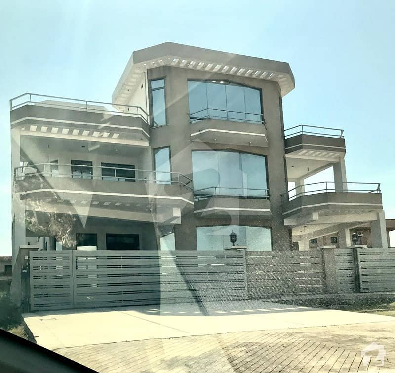 Main Double Road 50x90 House For Sale In G13