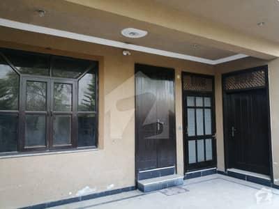جی ۔ 13 اسلام آباد میں 3 کمروں کا 10 مرلہ زیریں پورشن 45 ہزار میں برائے فروخت۔