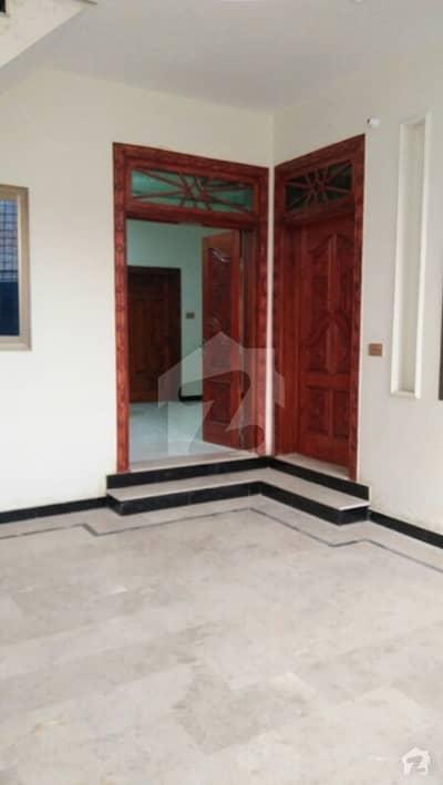 سیٹیلائیٹ ٹاؤن بہاولپور میں 4 کمروں کا 8 مرلہ مکان 35 ہزار میں کرایہ پر دستیاب ہے۔