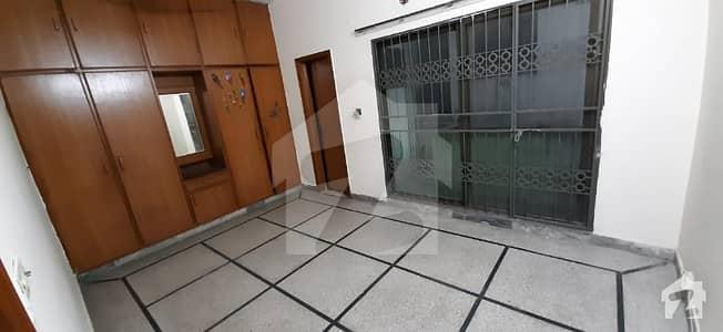 جوہر ٹاؤن فیز 2 جوہر ٹاؤن لاہور میں 3 کمروں کا 4 مرلہ مکان 35 ہزار میں کرایہ پر دستیاب ہے۔