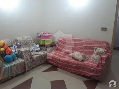 Gulshan E Iqbal Town 950 Square Feet Flat Up For Sale