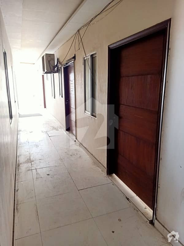 4 Marla Commercial 3th Floor Flat Available For Office Use In Johar Town Main 150feet Road