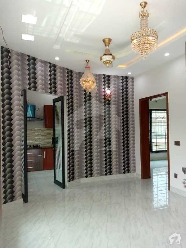 اسٹیٹ لائف ہاؤسنگ سوسائٹی لاہور میں 3 کمروں کا 6 مرلہ مکان 60 ہزار میں کرایہ پر دستیاب ہے۔