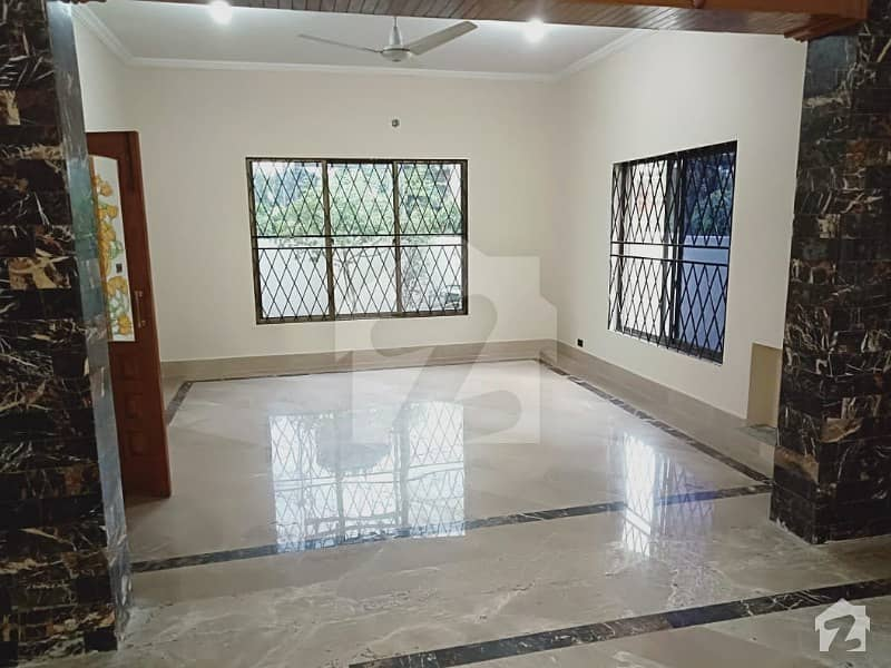 The Most Beautiful Design 1 Kanal Lower Portion For Rent In Dha Phase 4