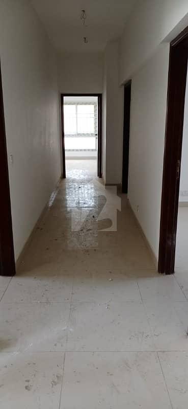 کلفٹن ۔ بلاک 3 کلفٹن کراچی میں 4 کمروں کا 11 مرلہ فلیٹ 1.4 لاکھ میں کرایہ پر دستیاب ہے۔