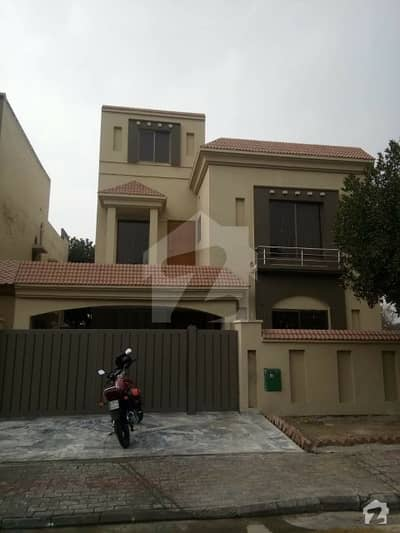 2475  Square Feet House Is Available For Rent