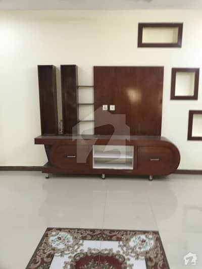 جناح گارڈنز ایف ای سی ایچ ایس اسلام آباد میں 4 کمروں کا 8 مرلہ مکان 1.45 کروڑ میں برائے فروخت۔