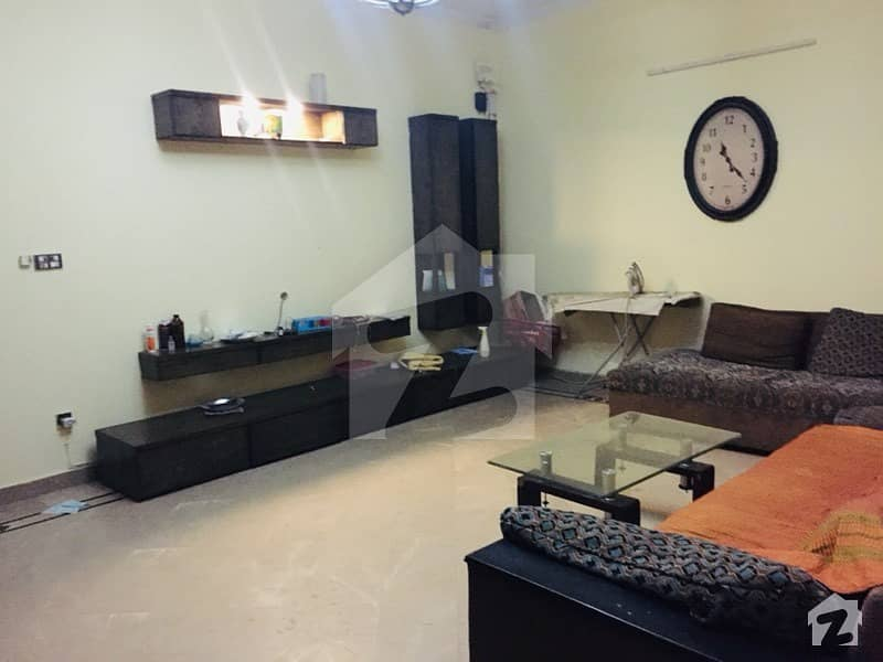 10 Marla Beautiful House Available For Sale