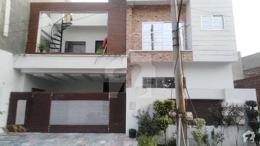 پنجاب یونیورسٹی فیز 2 - بلاک بی پنجاب یونیورسٹی سوسائٹی فیز 2 پنجاب یونیورسٹی ایمپلائیز سوسائٹی لاہور میں 5 کمروں کا 8 مرلہ مکان 1.76 کروڑ میں برائے فروخت۔