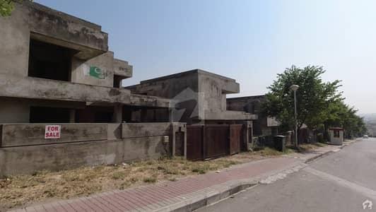 بحریہ ٹاؤن فیز 6 بحریہ ٹاؤن راولپنڈی راولپنڈی میں 5 کمروں کا 1 کنال مکان 3.5 کروڑ میں برائے فروخت۔