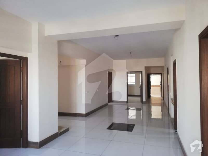 2200 Square Feet Flat For Sale In Beautiful Shaheed Millat Road