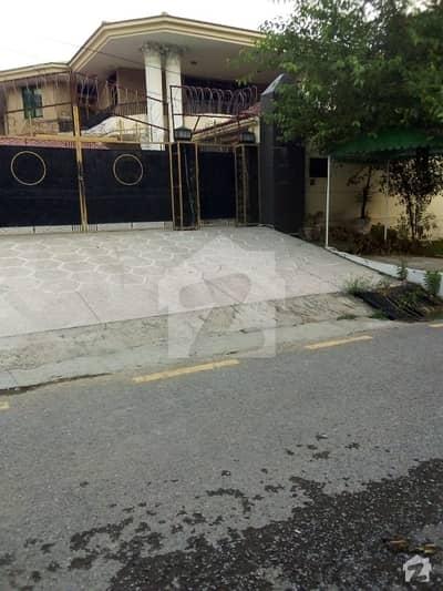 ایف ۔ 10 اسلام آباد میں 7 کمروں کا 2 کنال مکان 13 کروڑ میں برائے فروخت۔
