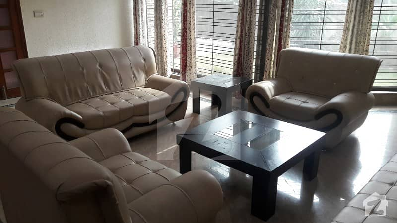 ڈی ایچ اے فیز 2 ڈیفنس (ڈی ایچ اے) لاہور میں 2 کمروں کا 1 کنال زیریں پورشن 85 ہزار میں کرایہ پر دستیاب ہے۔