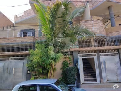 Gulistan-e-Jauhar 1st-floor With Roof For Sale Sized 2700 Square Feet
