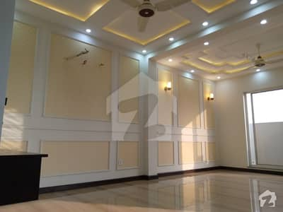 پیس وُوڈلینڈز بیدیاں روڈ لاہور میں 3 کمروں کا 8 مرلہ مکان 45 ہزار میں کرایہ پر دستیاب ہے۔