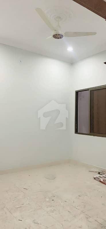 مسلم ٹاؤن لاہور میں 2 کمروں کا 3 مرلہ فلیٹ 22 ہزار میں کرایہ پر دستیاب ہے۔